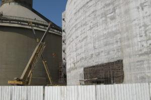 Τσιμεντοποιείο Βασιλικό στην Κύπρο. Σιλό αποθήκευσης clincer διαμέτρου 64 μέτρων και ύψους 22 μέτρων