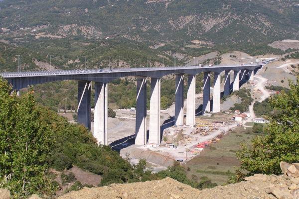 Γέφυρα Αράχθου στην Εγνατία Οδό. Η μεγαλύτερη σε μήκος γέφυρα της Ελλάδος 1036 μέτρων